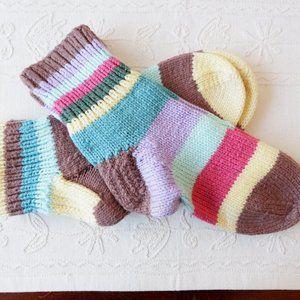 🐝 Cozy & Colourful Hand Knit Socks